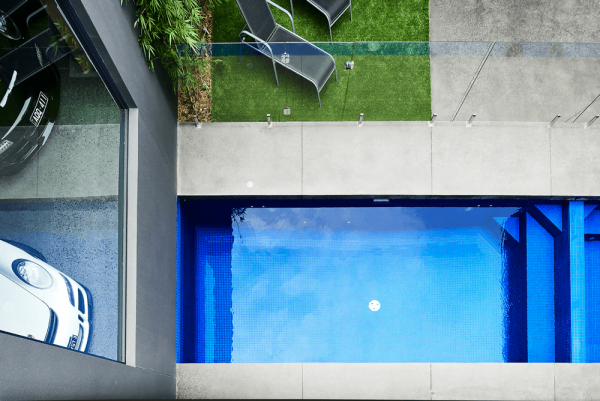 Crystal Glass Pool Tiles Melbourne