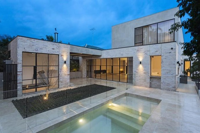 Natural Stone Swimming Pools Melbourne